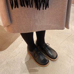 Schuh mit Schnürung