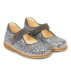 Mary Janes with velcro closure