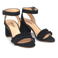 Sandale mit Blockabsatz und Rüschen